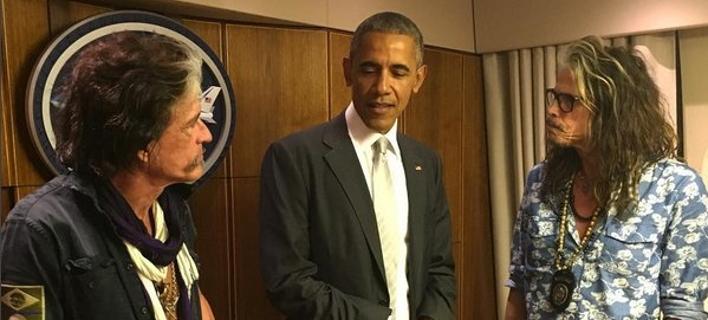 Ο Ομπάμα ανέβασε τους Aerosmith στο Air Force One και το έριξαν στο τραγούδι [εικόνα]