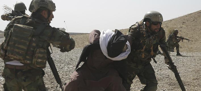 Επίθεση σε σιιτικό τέμενος στην Καμπούλ -Ανέλαβε την ευθύνη το ISIS