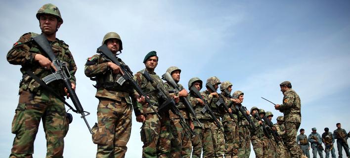 ΗΠΑ: 28 εκ. δολάρια «ξόδεψε» το Πεντάγωνο για λάθος στολές παραλλαγής για τον Αφγανικό στρατό!