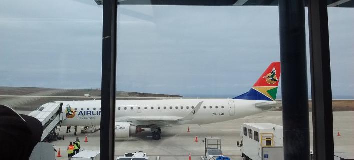 Το αεροδρόμιο της Αγίας Ελένης υποδέχθηκε την πρώτη εμπορική πτήση (Φωτογραφία: Twitter)