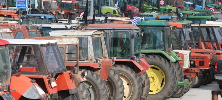 Αγριεύουν οι αγρότες: Κλείνουν επ' αόριστον το τελωνείο στους Κήπους Εβρου