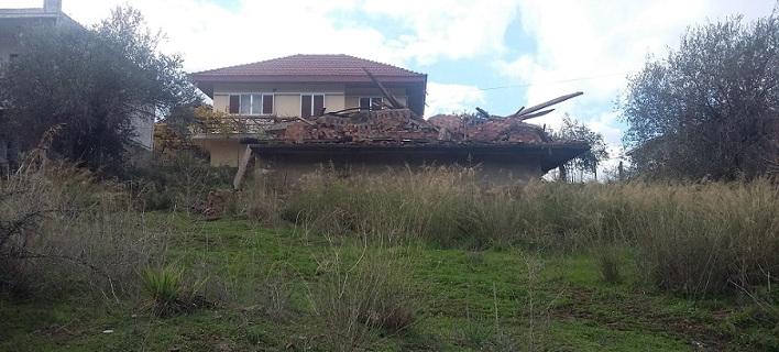 Το σπίτι που κατεδαφίστηκε στα Τριαντέικα Αγρινίου. Φωτογραφία: agrinionews