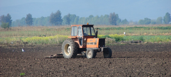 Reuters: Οι ημέρες των Ελλήνων αγροτών είναι μετρημένες -Με τα νέα μέτρα επιστρέφουν στο 1970