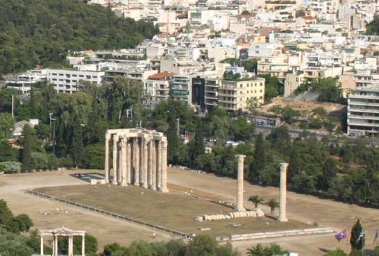 ΕΔω βρίσκονται τα θεμέλια του παριλίσσιου ναού της Αγροτέρας Αρτέμιδος, που αποτελούν μία από τις σημαντικότερες ιστορικά αρχαιολογικές τοποθεσίες στο κέντρο των Αθηνών