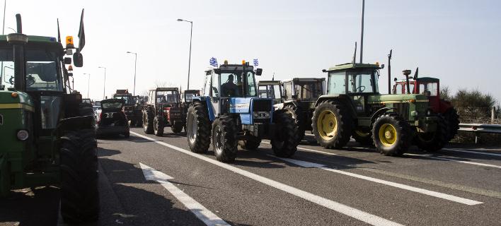Οι αγρότες «ζεσταίνουν» τα τρακτέρ με το νέο έτος (Φωτογραφία Αρχείου: Eurokinissi)