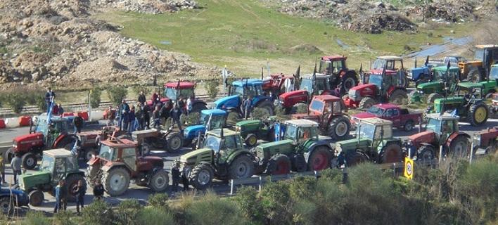 Κλείνουν επ' αόριστον τον κόμβο Κεφαλόβρυσου οι αγρότες -Στην Αιτωλοακαρνανία