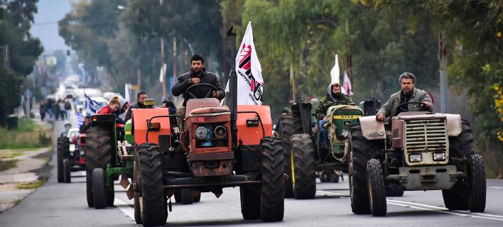 Αγρότες: Κάθοδος τρακτέρ την Παρασκευή στην Αθήνα, κατασκήνωση στο Σύνταγμα