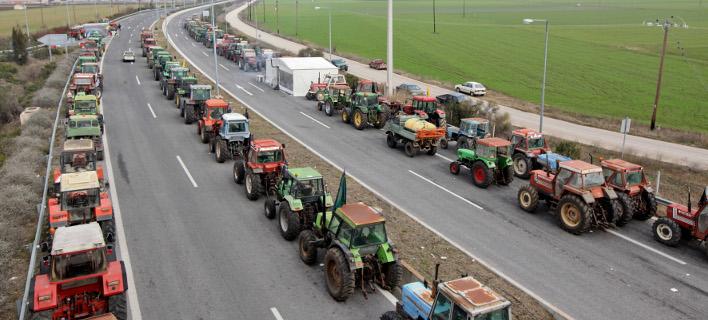 Οι αγρότες απειλούν να κόψουν την Ελλάδα στα δύο -Τους καλεί σε διάλογο η κυβέρνηση