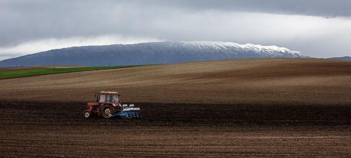 Γλιτώνουν το «ψαλίδι» 60% στις συντάξεις οι αγρότες που συνεχίζουν να εργάζονται