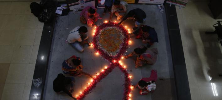 Εκδηλώσεις σε όλο τον κόσμο για την Παγκόσμια ημέρα κατά του AIDS/ Φωτογραφία: ΑP- Ajit Solanki