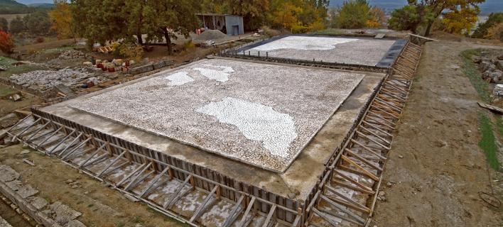 Σημαντική ανακάλυψη στη Βεργίνα: Βρέθηκε νέος ασύλητος τάφος στο νεκροταφείο των Αιγών [εικόνες]