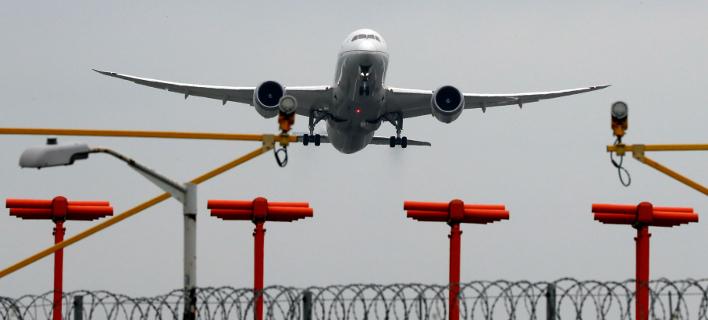 Η αύξηση των καυσίμων οδηγεί σε αύξηηση των αεροπορικών ναύλων. Φωτογραφία: AP
