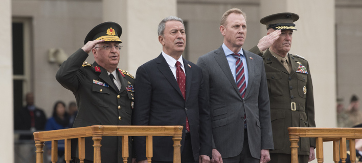 Συνάντηση των υπουργών Αμυνας ΗΠΑ και Τουρκίας/ Φωτογραφία: AP- Kevin Wolf