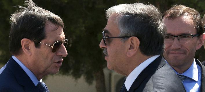 Κύπρος: Δείπνο Αναστασιάδη-Ακιντζί σήμερα, στη νεκρή ζώνη και χωρίς δημοσιογράφους
