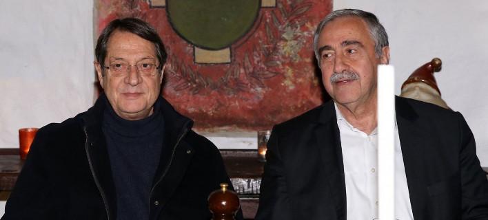 Αναστασιάδης: «Ρε Μουσταφά, να σκεφτούμε τα εγγόνια μας» -Ακιντζί: «Νίκο τελειώσαμε, πάω να κοιμηθώ»