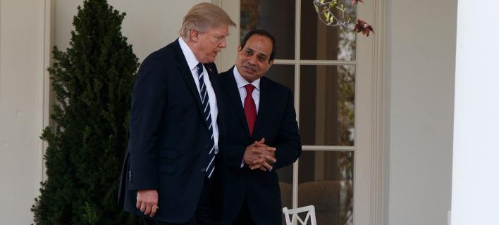 Ο Τραμπ συνεχάρη τηλεφωνικά τον πρόεδρο της Αιγύπτου για την επανεκλογή του