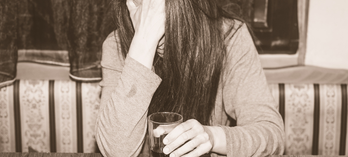 Στο νοσοκομείο Ηρακλείου 15χρονη, από υπερβολική κατανάλωση αλκοόλ /Φωτογραφία Αρχείου: Shutterstock