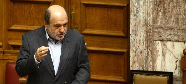 Αλεξιάδης: Οποιος δεν μπορεί να πληρώσει τον φόρο κληρονομιάς, να παραχωρεί το ακίνητο στο δημόσιο