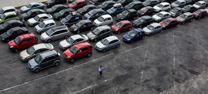Καμία αλλαγή στα τέλη κυκλοφορίας -Δεν θα γίνουν μειώσεις για τα παλιά αυτοκίνητα