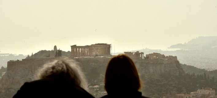 Αφρικανική σκόνη και λασποβροχή στην Αθήνα -Φωτογραφίες: EUROKINISSI/ΤΑΤΙΑΝΑ ΜΠΟΛΑΡΗ