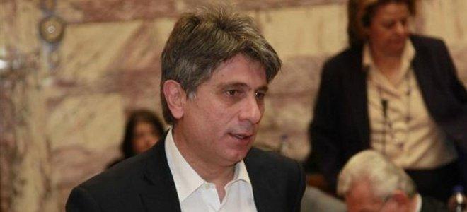 Ο Αμοιρίδης της ΔΗΜΑΡ θέλει dress code στη Βουλή: Στο ΣΥΡΙΖΑ ντύνονται σαν να πη
