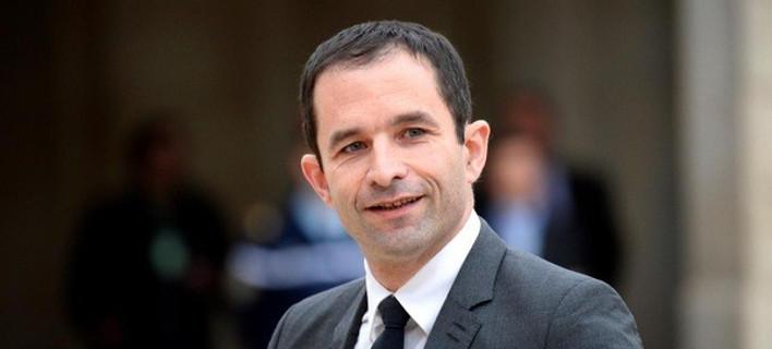 Ο Αμόν θέλει τώρα να συμμαχήσει με κομμουνιστές και Οικολόγους για να εκλεγεί πρόεδρος της Γαλλίας