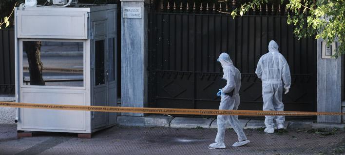 Αμυντικού τύπου η χειροβομβίδα που εξερράγη έξω από τη γαλλική πρεσβεία