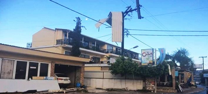 Ανεμοστρόβιλος σάρωσε τη Ζάκυνθο -Σήκωσε στέγες, έριξε δέντρα [εικόνες]