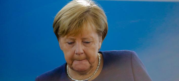 Κατηφής η γερμανίδα καγκελάριος μετά τον πολιτικό σεισμό στη Βαυαρία (Φωτογραφία: (AP/Markus Schreiber)