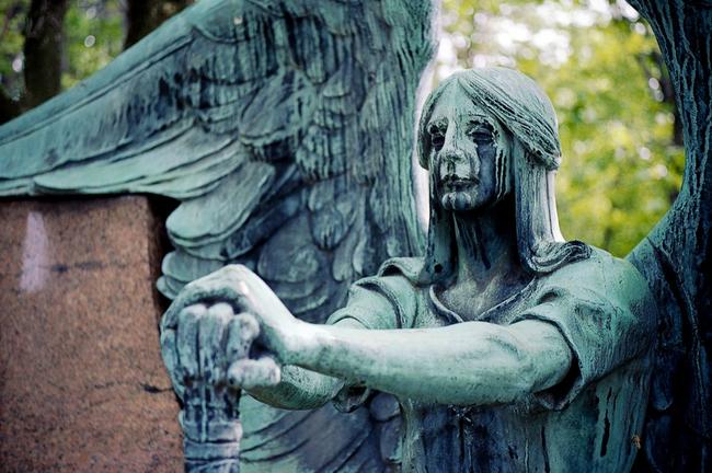 Ο άγγελος του νεκροταφείου Lakeview