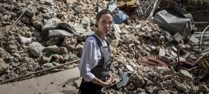 Η Αντζελίνα Τζολί στη Μοσούλη. Φωτογραφία: UNHCR/Andrew McConnell