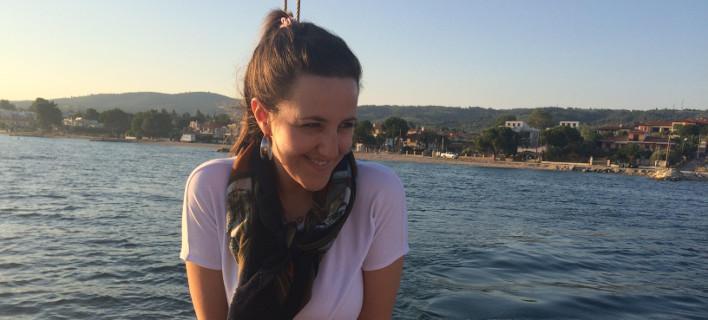 Η Αντιγόνη έφυγε από την Αθήνα και βρήκε τη δουλειά των ονείρων της στην Καρδίτσα