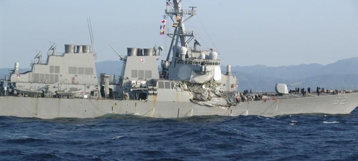 Αμερικανικό αντιτορπιλικό συγκρούστηκε με εμπορικό πλοίο -Τραυματίες και αγνοούμενοι [εικόνες]