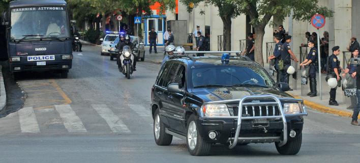 Η αντιτρομοκρατική συνέλαβε τον 55χρονο που έστελνε φακέλους με σφαίρες σε πολιτικούς