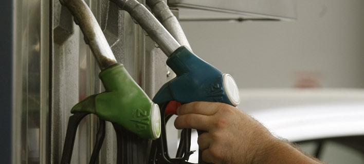 Λαμία: Επιβάτης λεωφορείου άρχισε να πίνει βενζίνη από την αντλία καυσίμων!