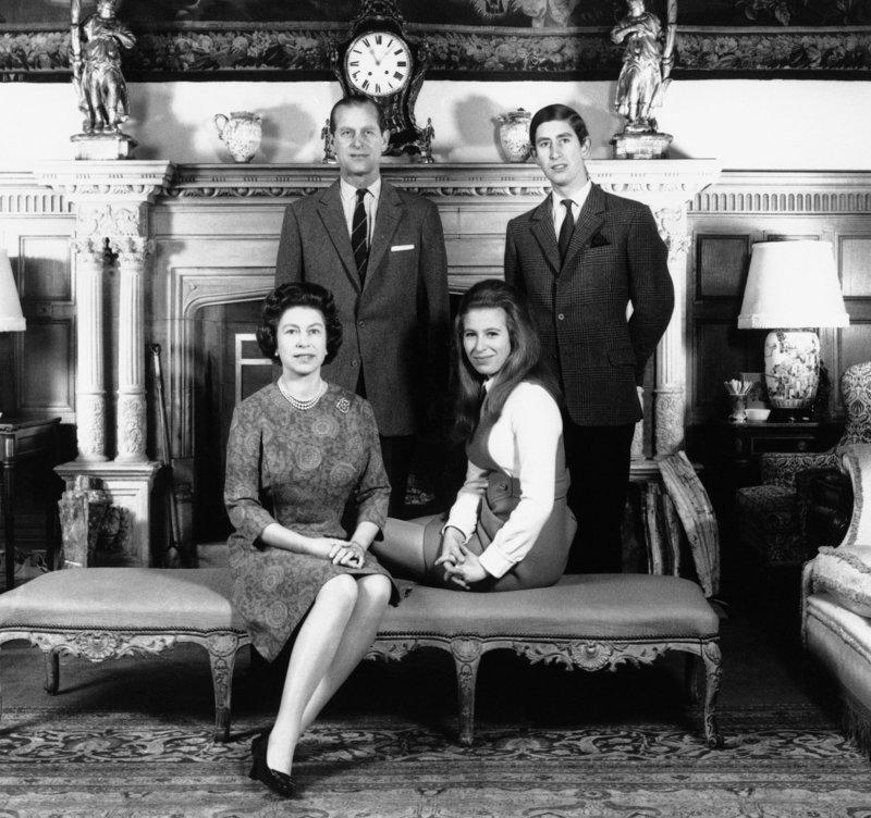 Ελισάβετ και Φίλιππος με τα δυο μεγαλύτερα παιδιά τους, Κάρολο και Ανν, στη βασιλική κατοικία του Sandingham