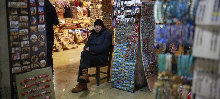 Περιμένουν τις εκλογές, φωτογραφία: apimages