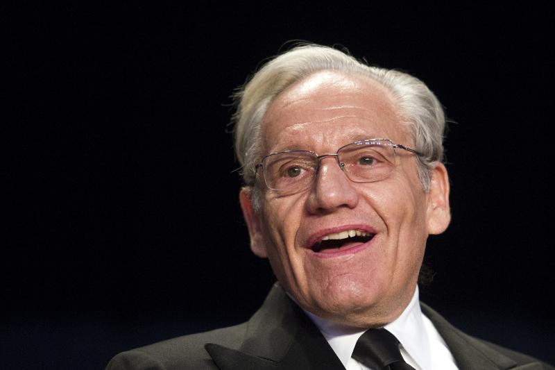 Ο Μπομπ Γούντγουορντ εκδίδει ένα βιβλίο κάθε περίπου δύο χρόνια. Ανάμεσα στα πρόσωπα που έχουν αποτελέσει αντικείμενο βιβλίου του είναι οι Μπιλ Κλίντον, Τζορτζ Μπους ο νεότερος και Μπαράκ Ομπάμα