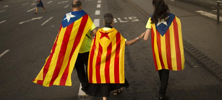 Η Μαδρίτη έκλεισε τον ιστότοπο για το δημοψήφισμα -Θα διεξαχθεί κανονικά, λέει ο Καταλανός πρόεδρος
