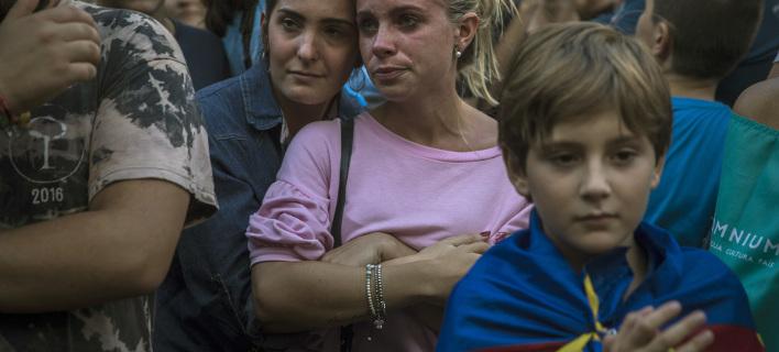 Mετά την αστυνομική επέμβαση στην Καταλονία, φωτογραφία: AP images