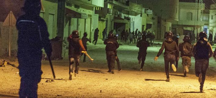Βίαιες «μάχες», Φωτογραφίες: ap images