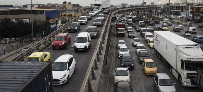 Μειώνει και την κατανάλωση από τα επιβατικά οχήματα κατά 3%, φωτογραφία: apimages