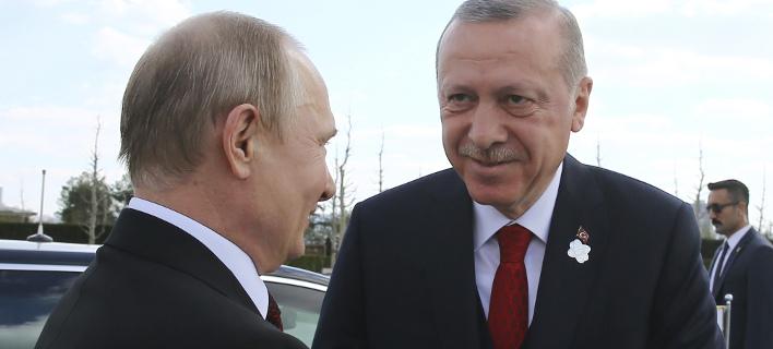 Ο Πούτιν συνεχάρη τον Τούρκο ηγέτη για την νίκη του,  φωτογραφία: apimages