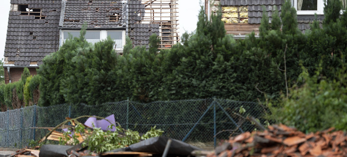 Ανεμοστρόβιλος χτύπησε το Ντίσελντορφ και παρέσυρε τα πάντα [εικόνες]