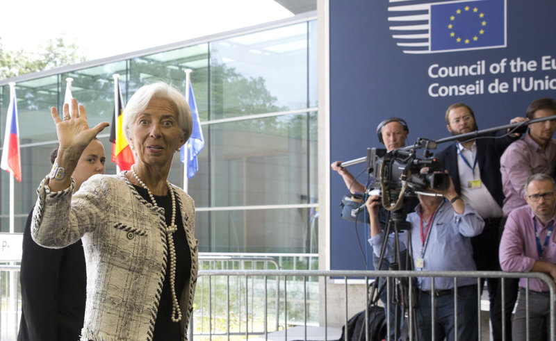 Η επικεφαλής του ΔΝΤ, Κριστίν Λαγκάρντ προσέρχεται στη συνεδρίαση -Φωτογραφία: AP