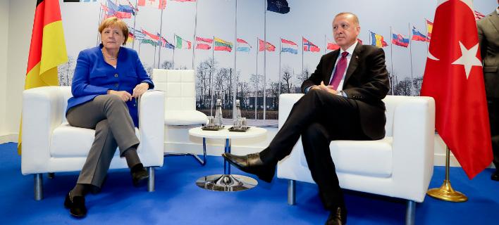 H Ανγκελα Μέρκελ και ο Ταγίπ Ερντογάν /Φωτογραφία AP images