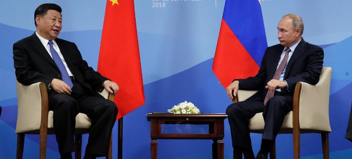 Ο Βλάντιμιρ Πούτιν και ο Σι Τζιπίνγκ/ Φωτογραφία AP images