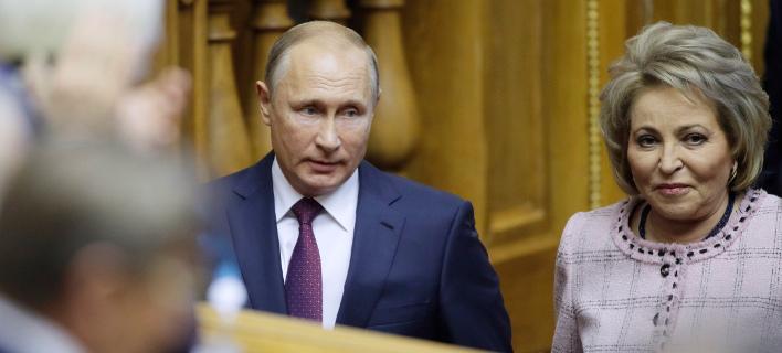 O Bλάντιμιρ Πούτιν και η Βαλεντίνα Ματβιένκο/ Φωτογραφία AP images