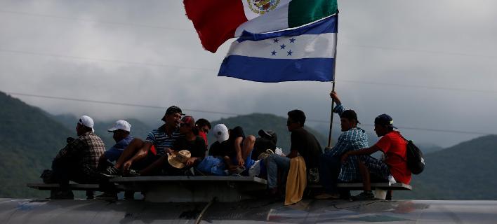 Καραβάνια μεταναστών που κατευθύνονται στις ΗΠΑ/ φωτογραφία: ap
