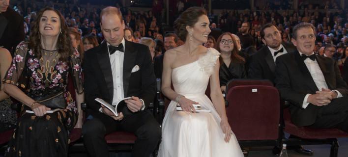 Ο πρίγκιπας Γουίλιαμ και η Κέιτ Μίντλετον /Φωτογραφία: AP